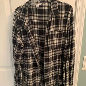 Volcom black and white flannel